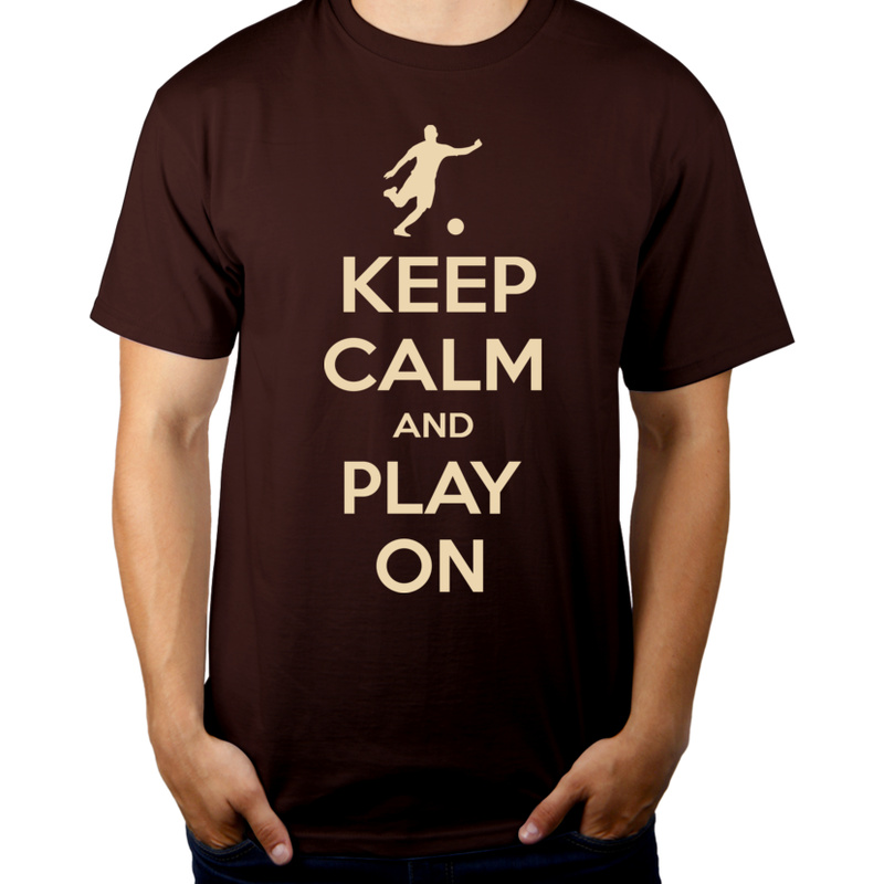 Keep Calm and Play On - Football - Męska Koszulka Czekoladowa